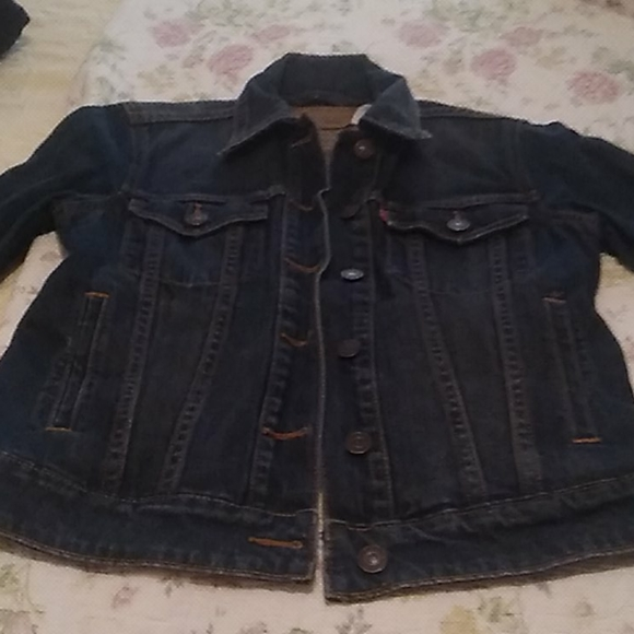 Ladies Levi's Jean  jacket lightly worn sz Small